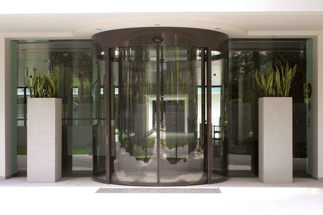 This type of door can be integrated into virtually any curved space and be curved inwards or outwards.